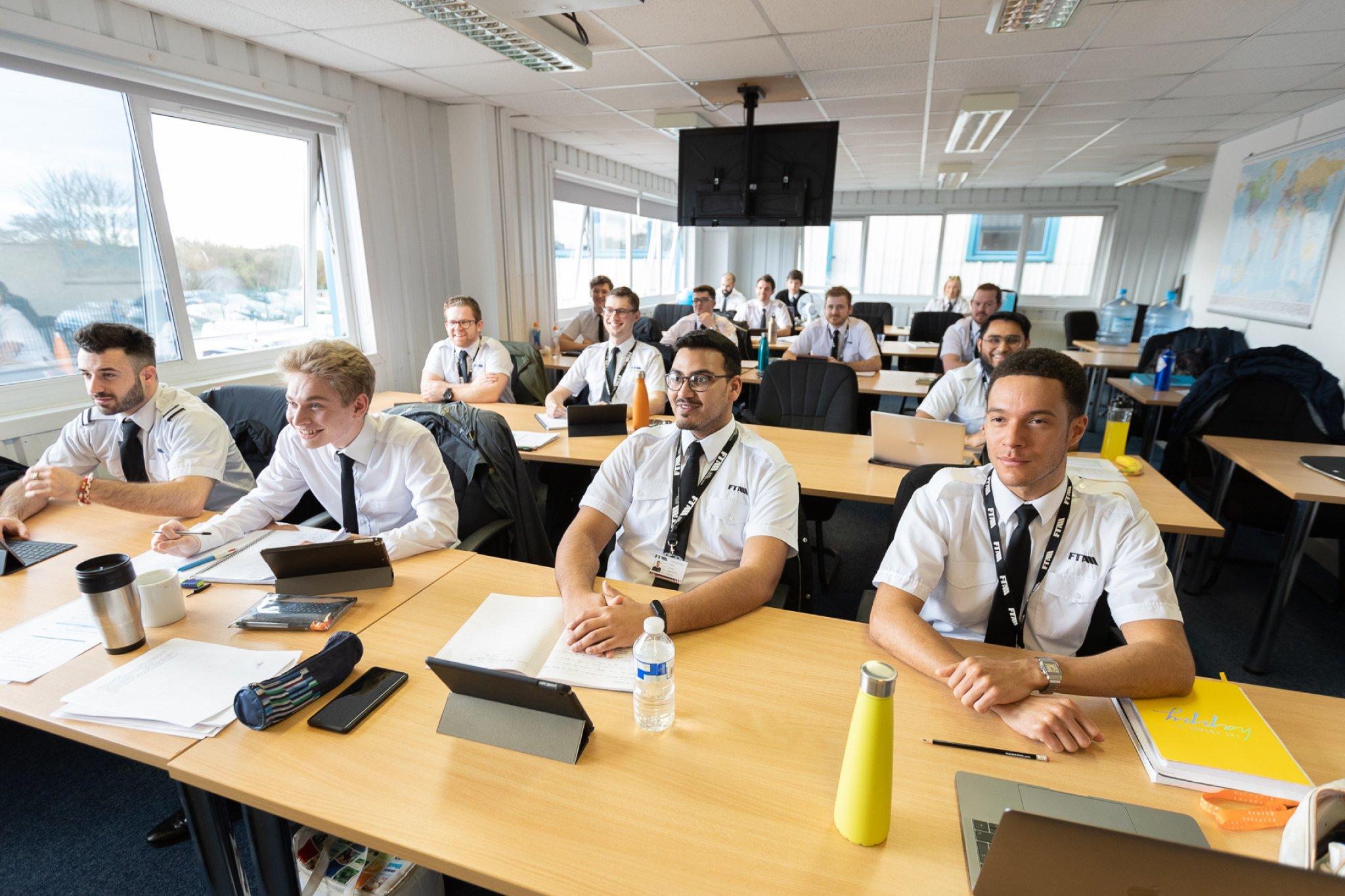 ATPL-Classroom-FTA-Students