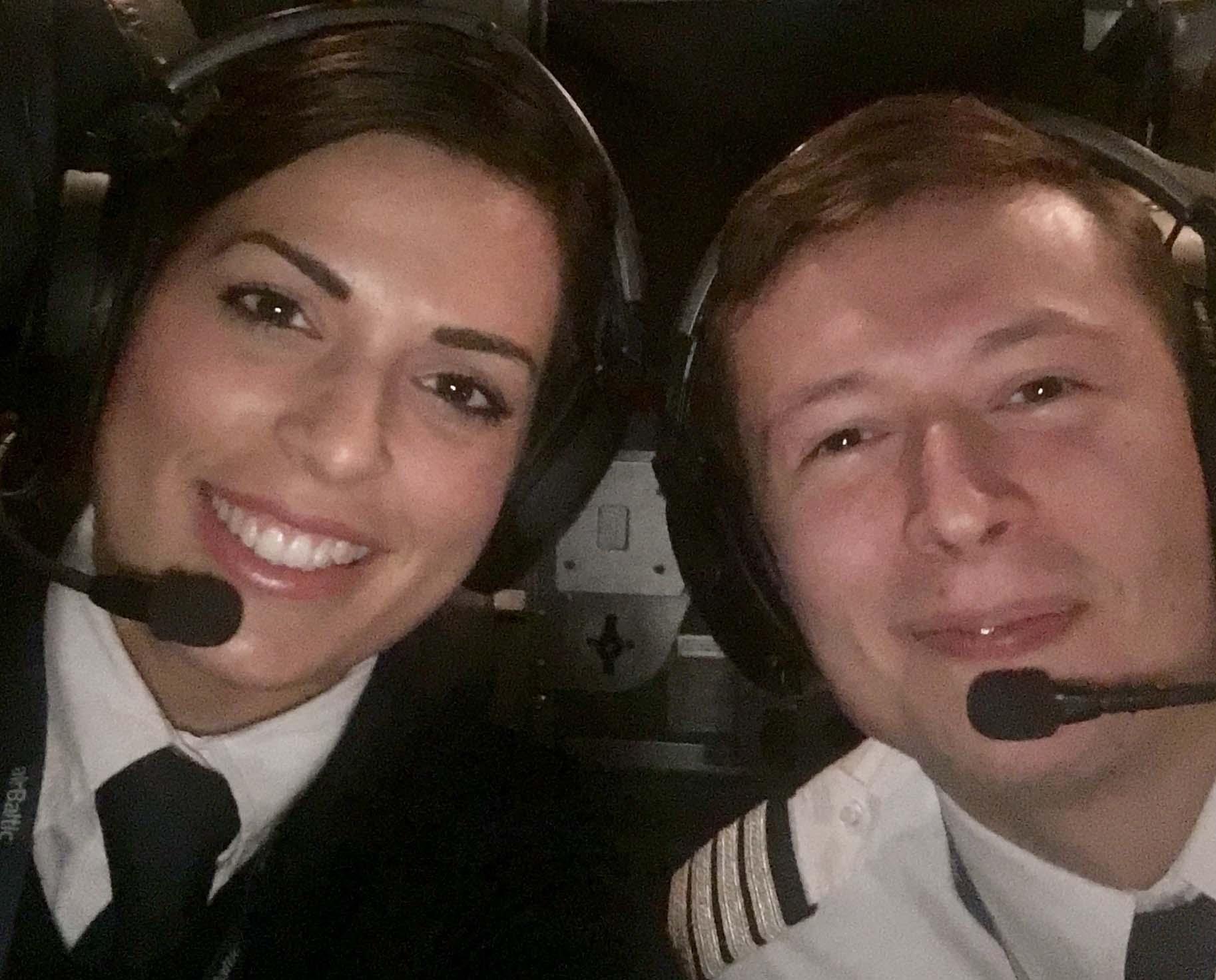 Ana-Female-Pilot-FTA-Group-Male-pilot-photo-5