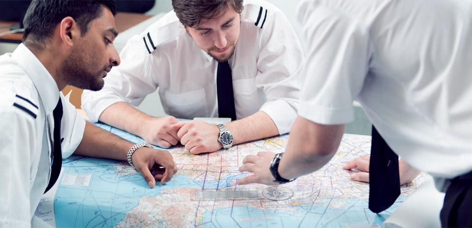 Modular or integrated pilot training?