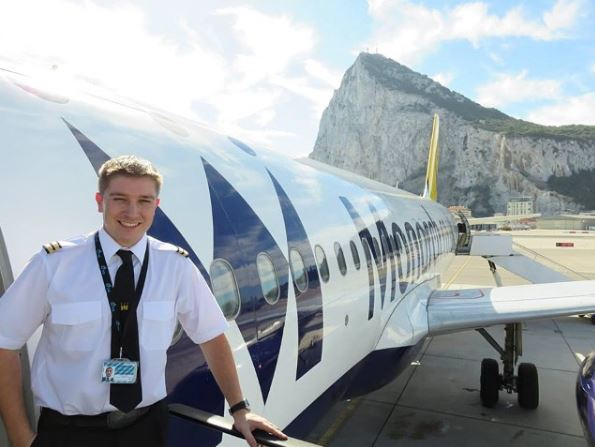Become a Pilot - Commercial Pilot Training School UK   FTA