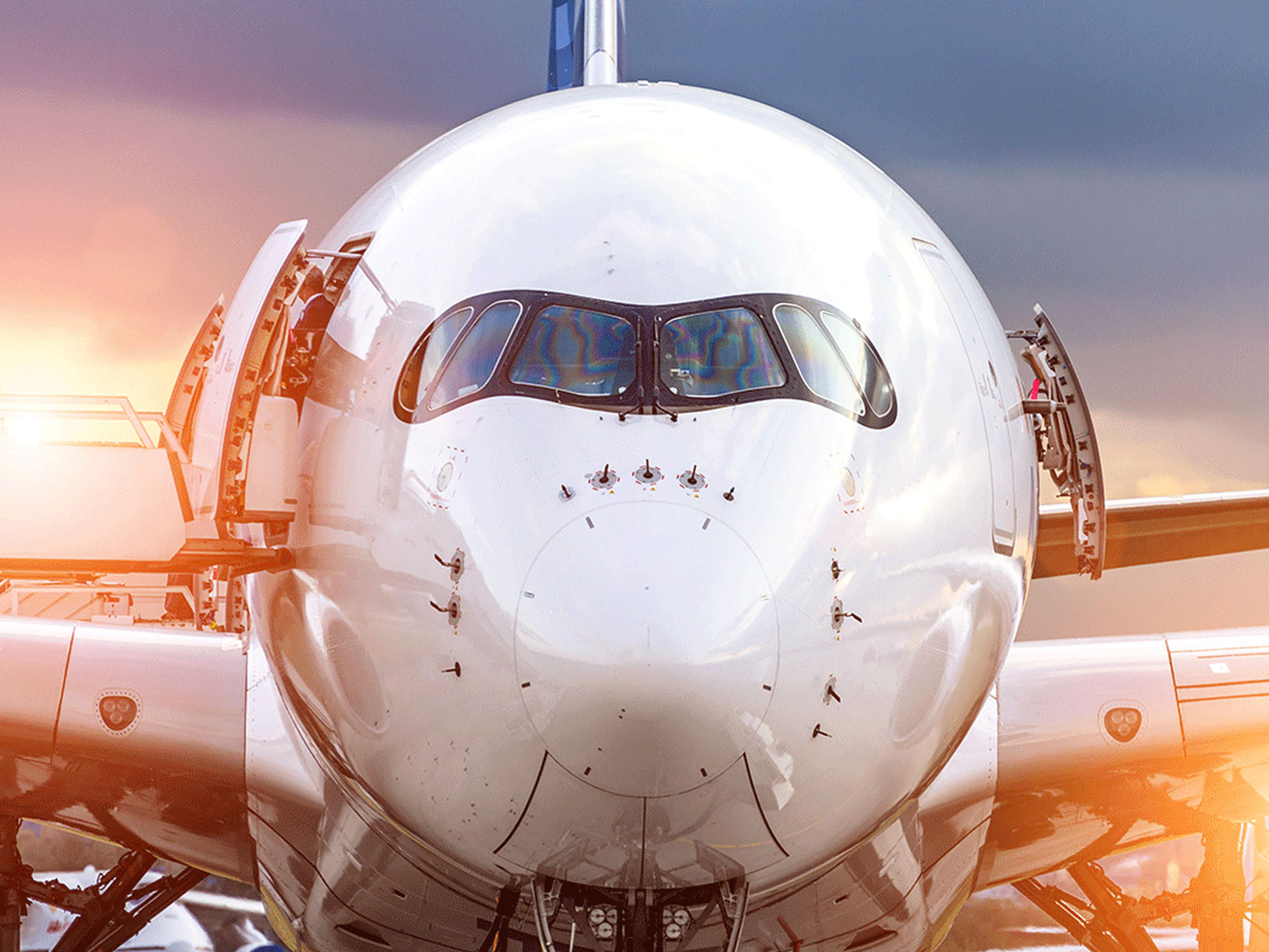 boeing-aircraft-nose-sunset-content-card