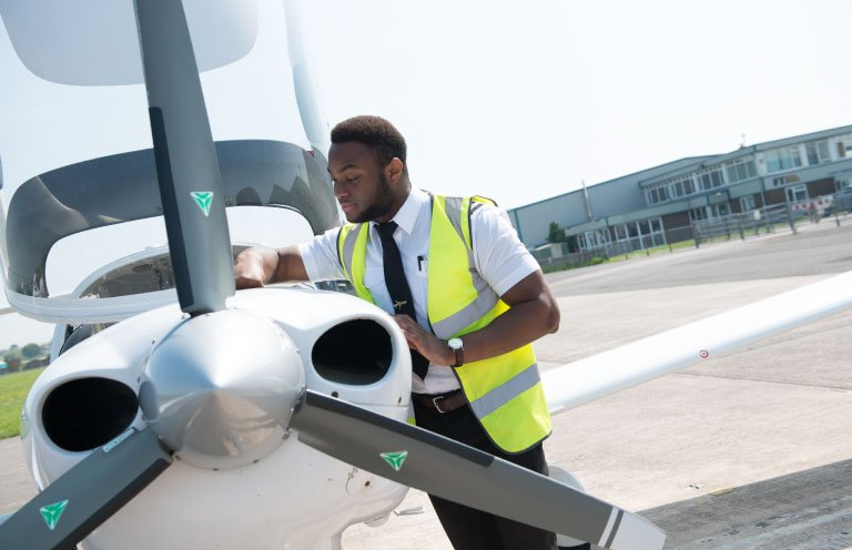 invest-in-what-matters-students-aircraft