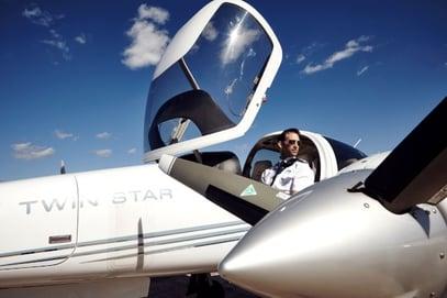 pilot-in-aircraft-600x400