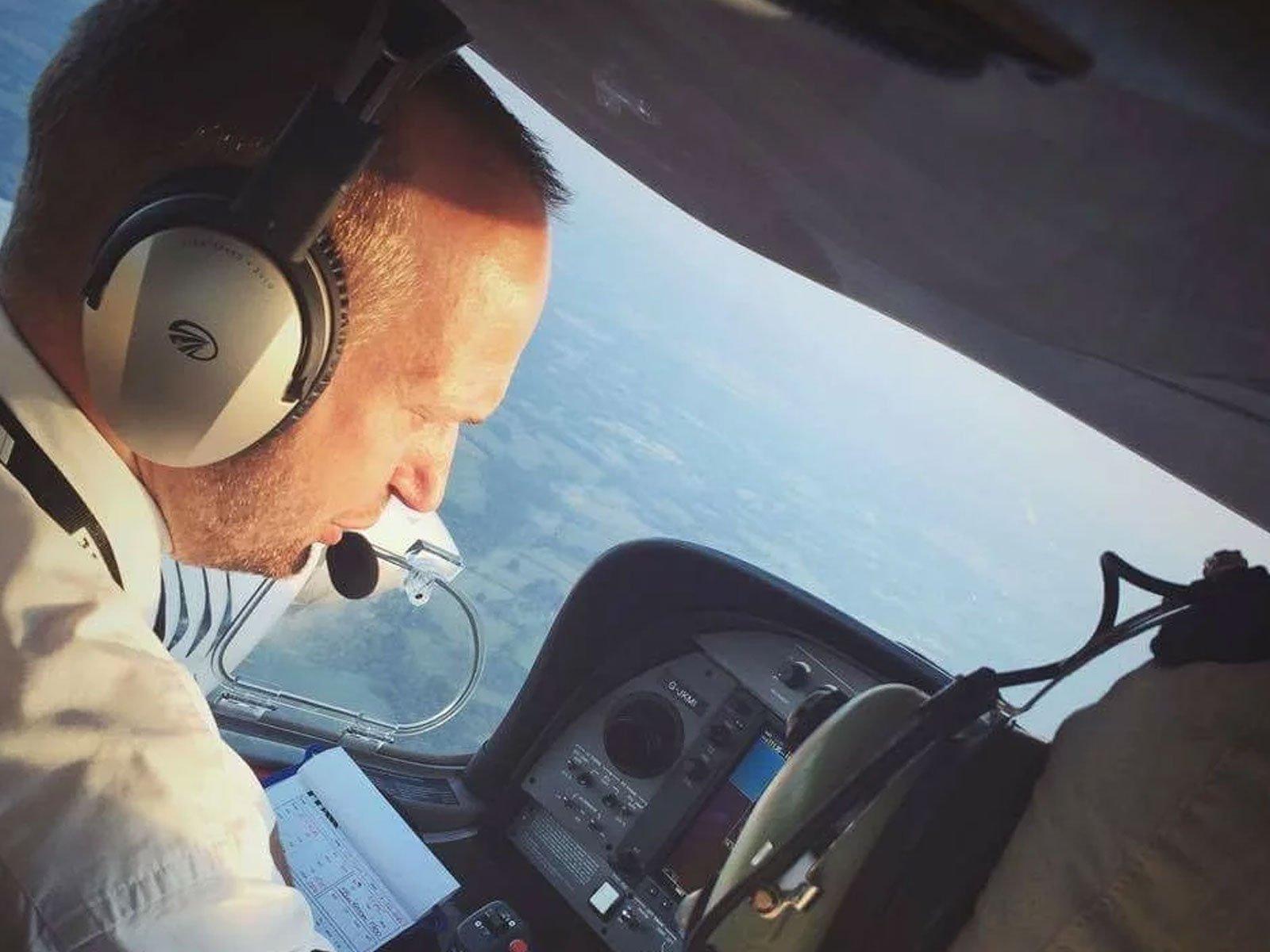 FTA airline pilot rob