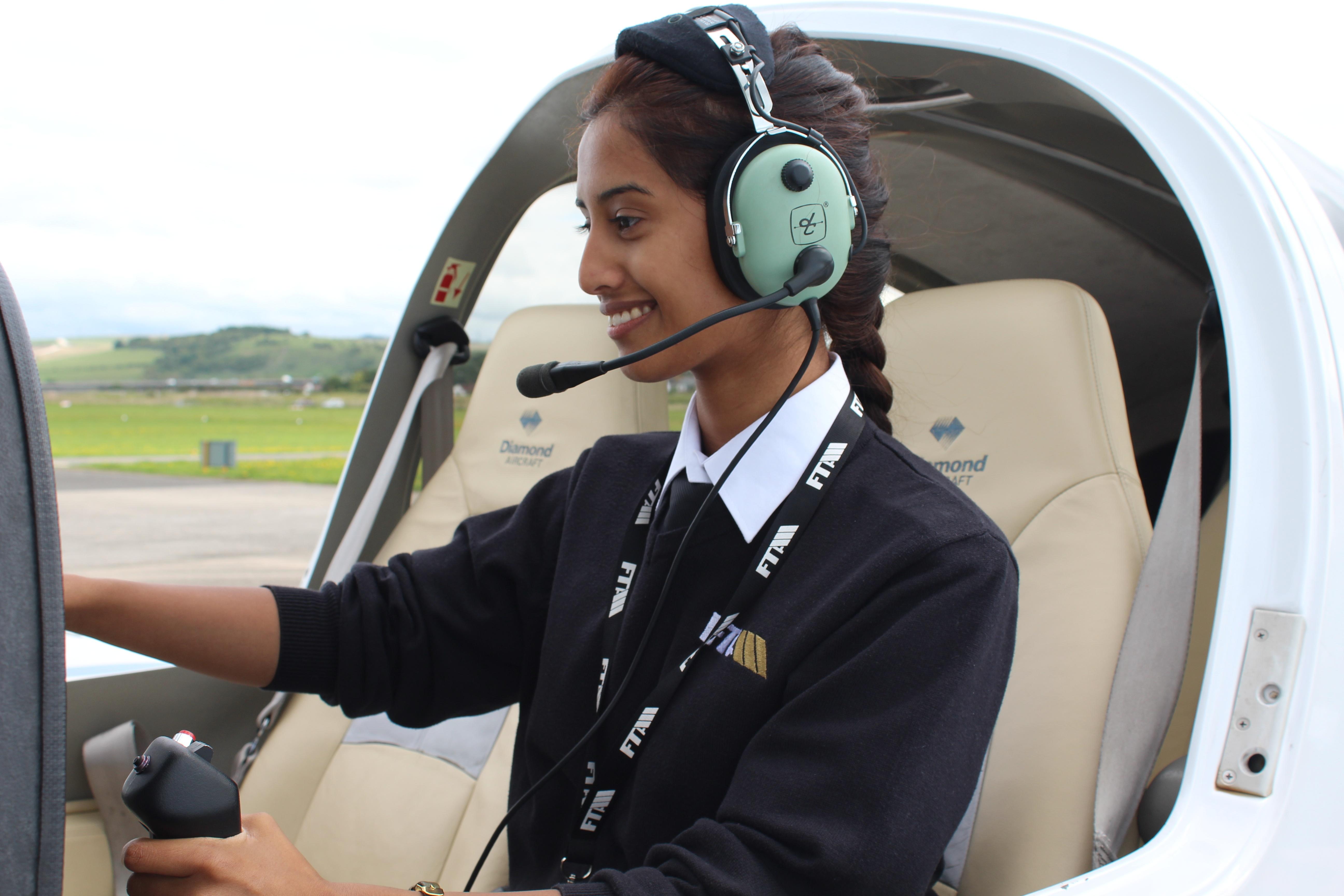 Female-pilot-diamond-bcal.jpg