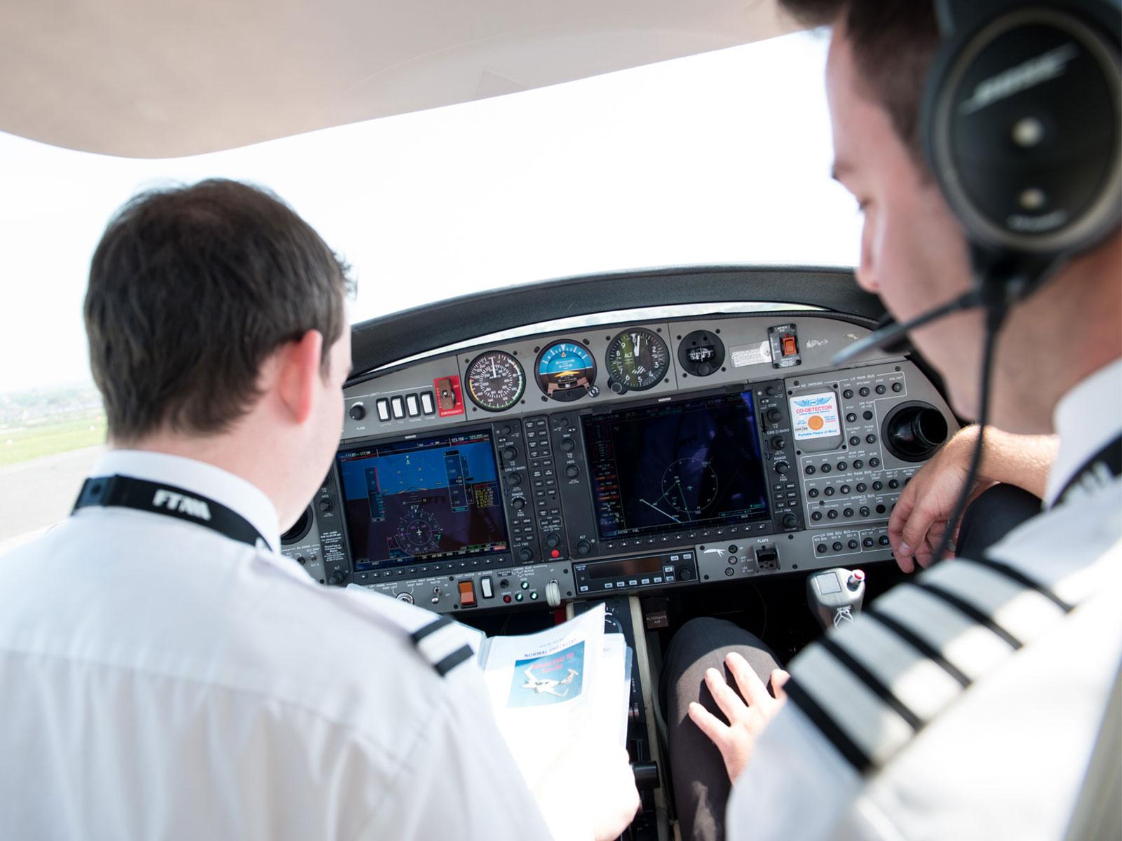 Flight-Instructor-FTA-Global
