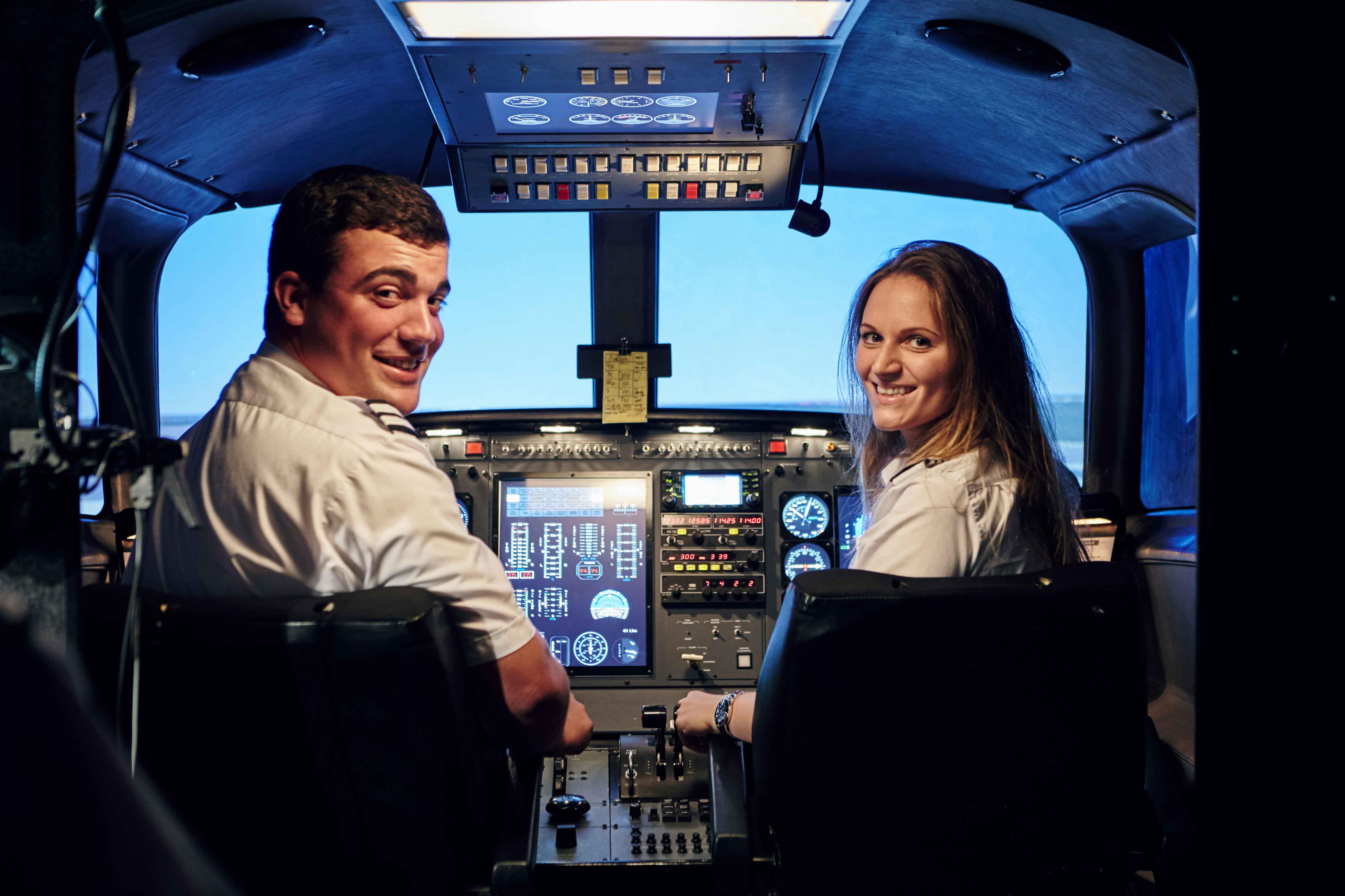 Paulina-female-pilot-aviatrix.jpg